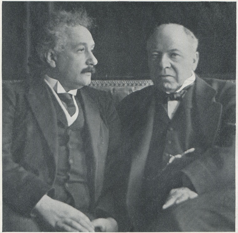 Einstein (left) and Haldane. From a photo by Walter Benington. Originally published in The Sphere on 18 June 1921, it was later reproduced in Hutchinson's Splendour of the Heavens (1923)